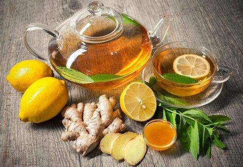 Травяной чай с лимоном