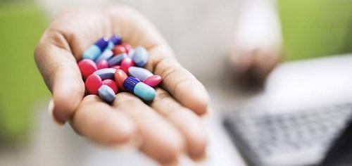 Антибиотики на руке