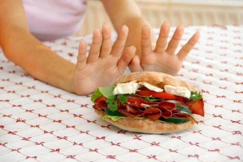 отодвигаем вредную пищу