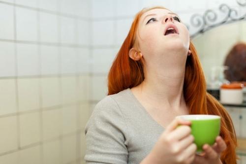 Сколько раз полоскать горло фурацилином при ангине