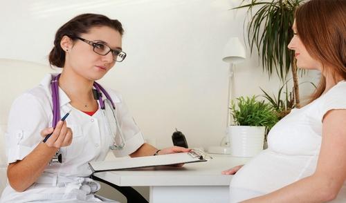 беременная женщина у врача
