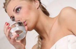 Чем полоскать горло при ларингите, необходимые медикаменты