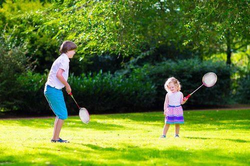 игра с ребенком на природе