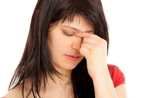 болит нос от насморка