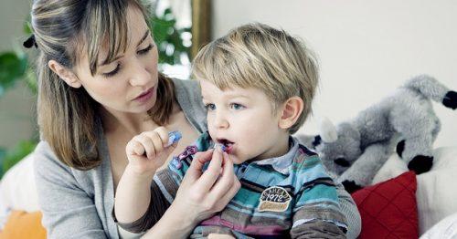прием лекарств детьми