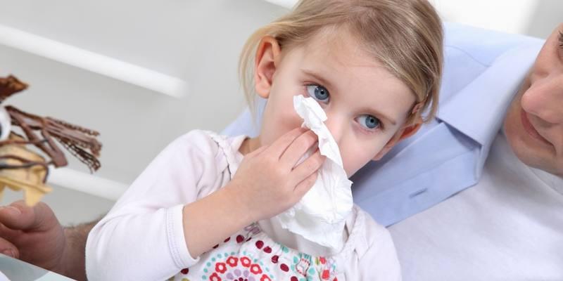 Белые сопли у ребёнка как лечить комаровский