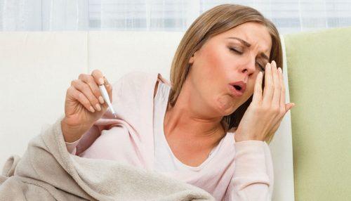 Сухой раздирающий кашель у женщины с утра