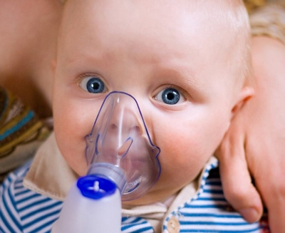 Лечение кашля у детей с помощью небулайзера