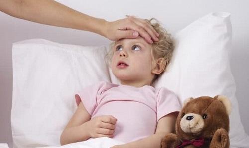 осмотр заболевшего ребенка